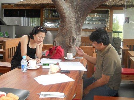 Bedah naskah Rumah Boneka bersama Wawan Sofwan, April 2011