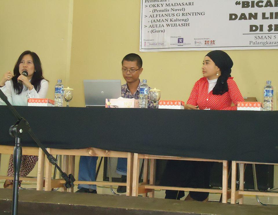 Seminar Bicara Sastra dan Lingkungan di Sekolah , SMAN 5 Palangkaraya